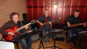 Pitzl-Gitarrentrio