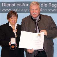 Regierungspräsidentin Heidrun Piwernetz mit KLaus Haussel